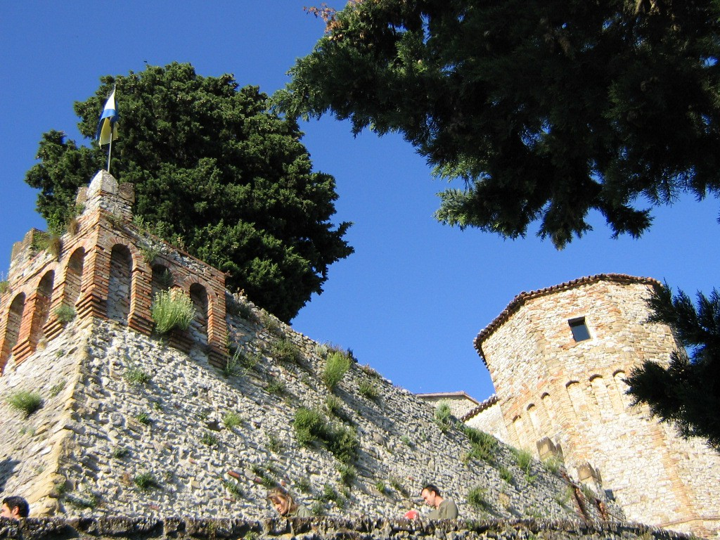 Il mistero e la storia del castello di Montebello